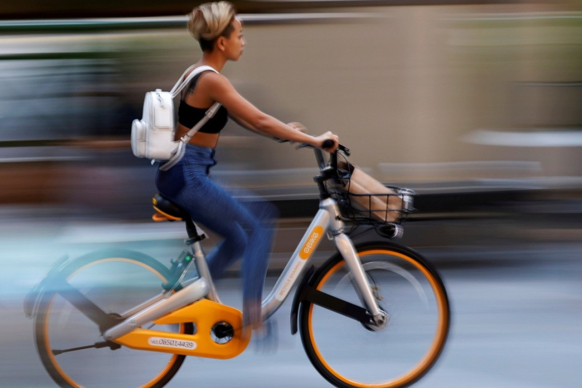 A commuter on an oBike in Singapore. Photo: Reuters