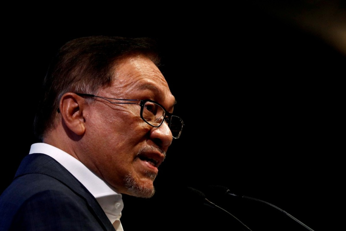 Anwar Ibrahim has been intensely canvassing for votes among different ethnic groups. Photo: Reuters