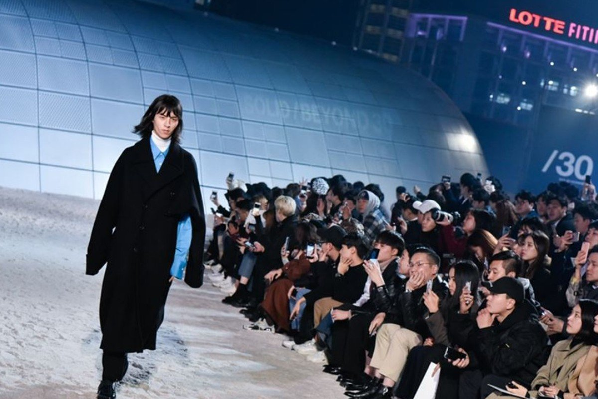 Celebrated South Korean designer Woo Young-mi presented a collection of designs under her Soli Homme label that were inspired by Vietnam and the global peace movement. Photo: Seoul Design Foundation