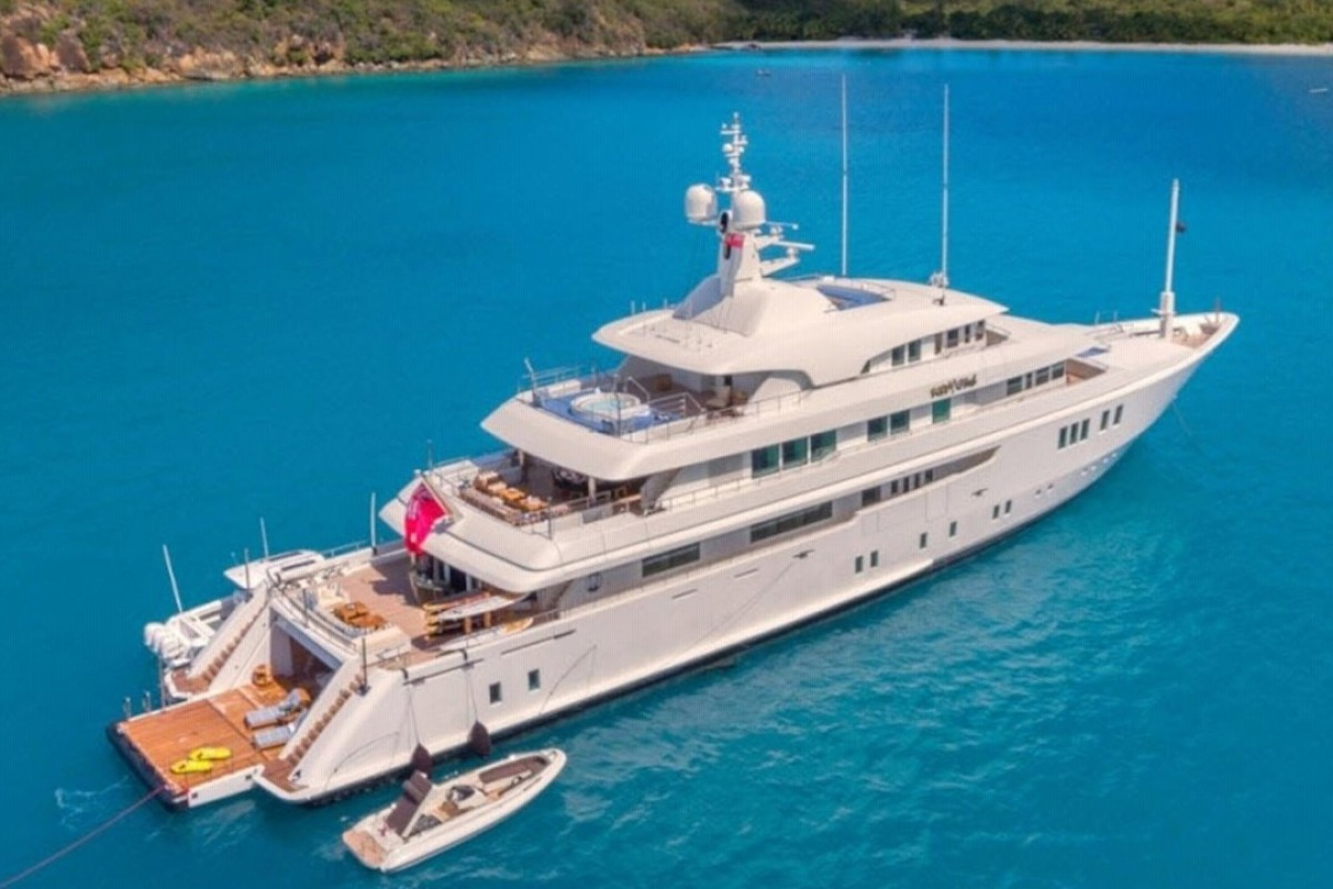 As evidenced by its name, the Party Girl super-yacht houses a longer-than-usual salon that is perfect for hosting parties. Photo: Northrop & Johnson