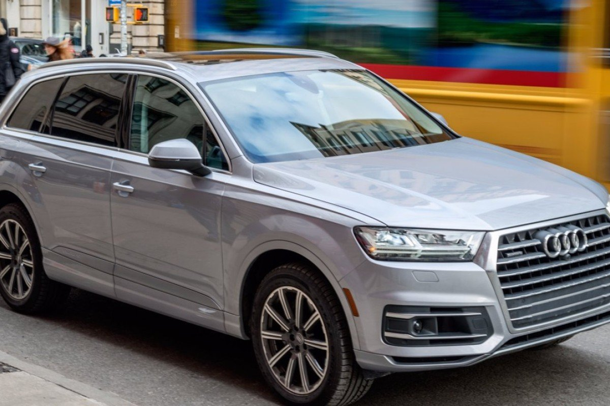 The stylish Audi Q7 SUV, which offers a comfortable ride, confident steering and strong engine performance, can carry up to seven passengers. Photos: Hollis Johnson