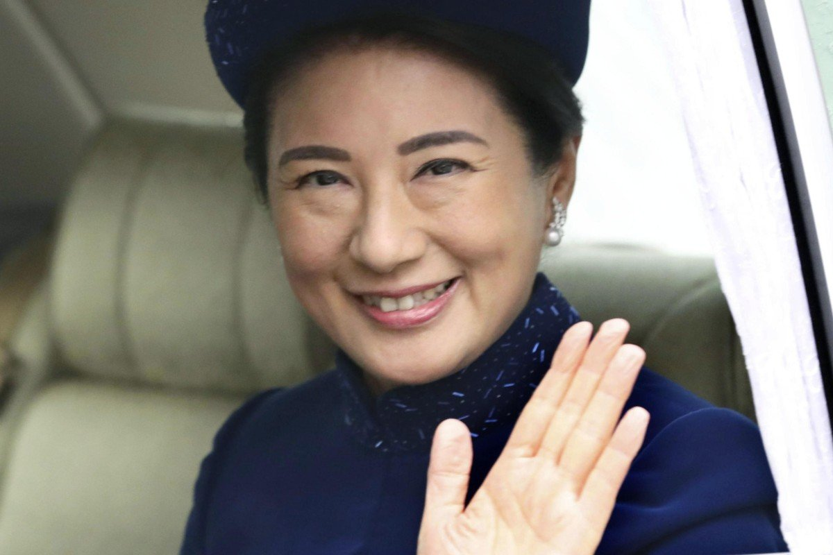 Japanese Crown Princess Masako waves as she enters the Imperial Palace in Tokyo to attend an event celebrating Emperor Akihito's 85th birthday on December 23, 2018. Photo: Kyodo