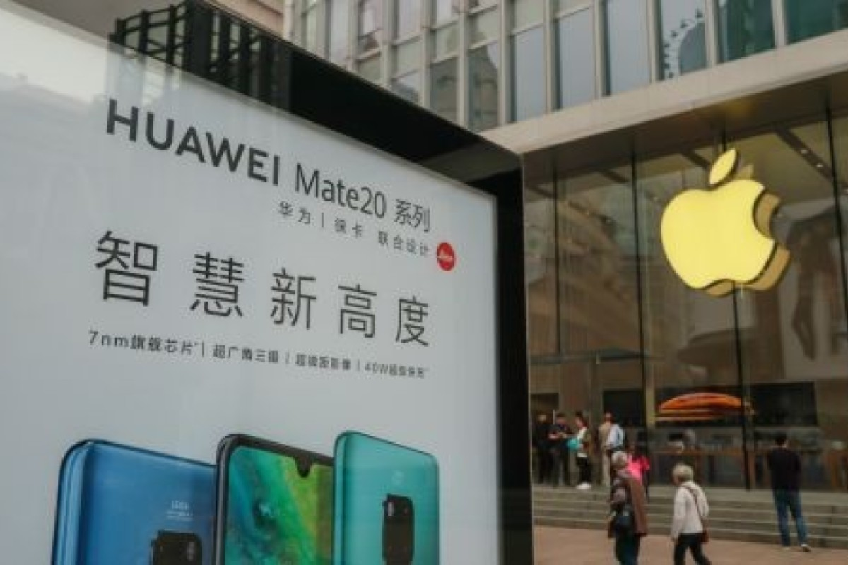 The American technology company Apple blames the fall in sales of its iPhones in China on a drop in luxury spending in the nation – rather than the fact that domestic consumers are buying more reasonably priced, good quality Chinese brands such as Huawei and Vivo.
