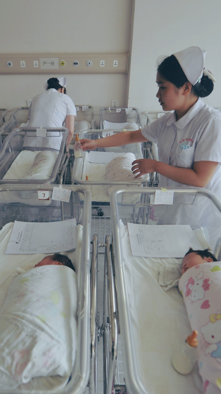 Will more maternity leave fix China's baby crisis?