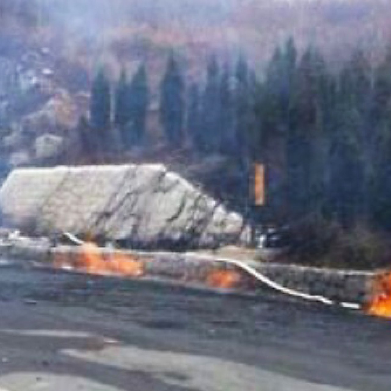 31 killed as truck collision turns Chinese tunnel into fiery