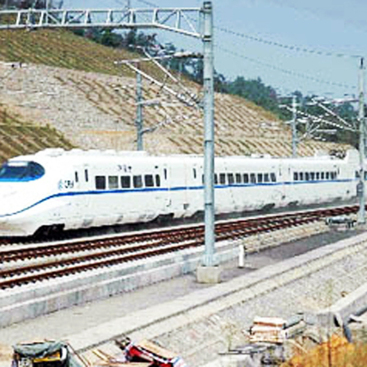 China sets sights on developing mid-speed inter-city railway network