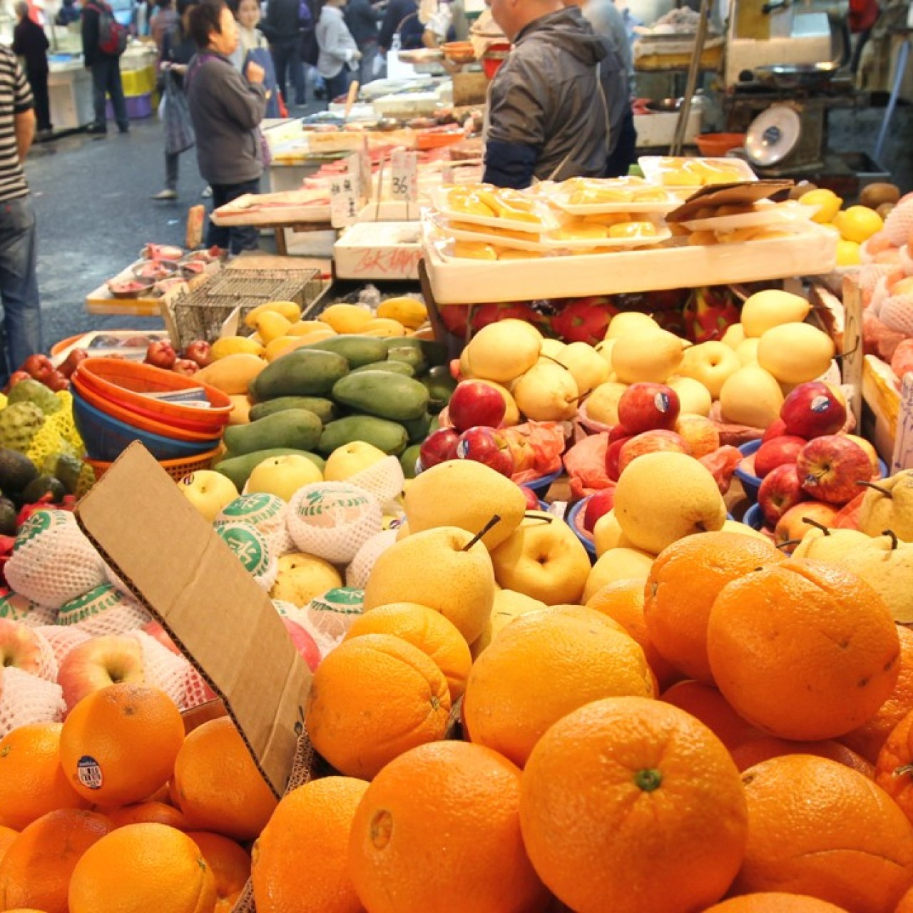 Hong Kong's food safety checks for imported fruits and