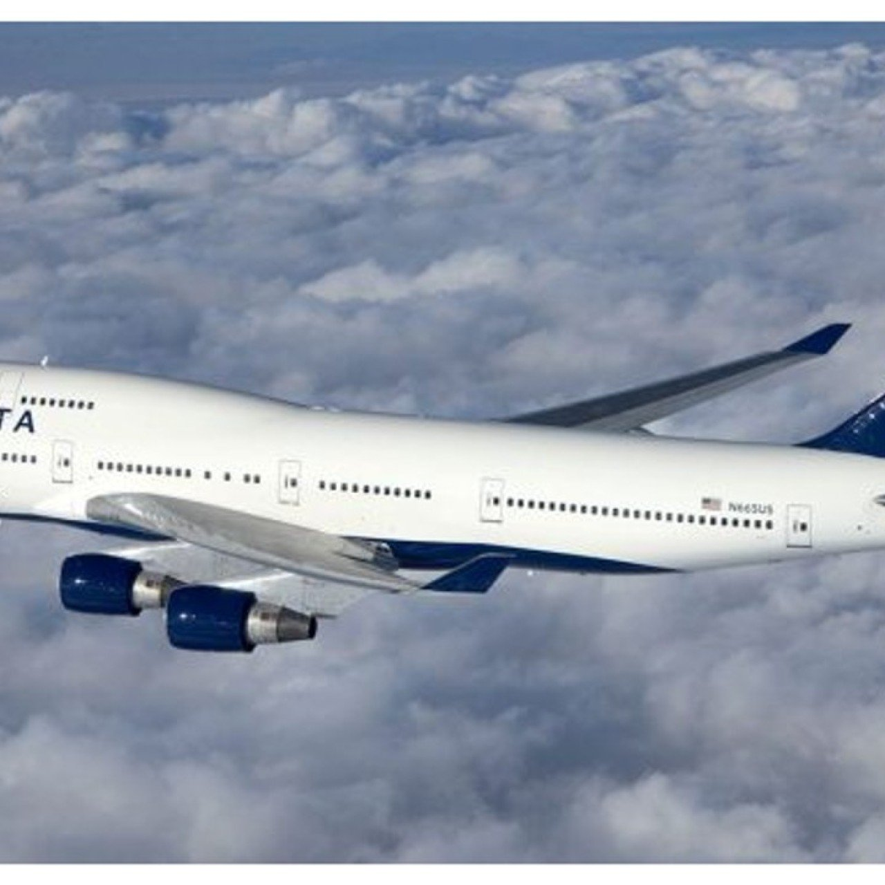 Boeing 747 takes last US commercial flight as iconic jumbo