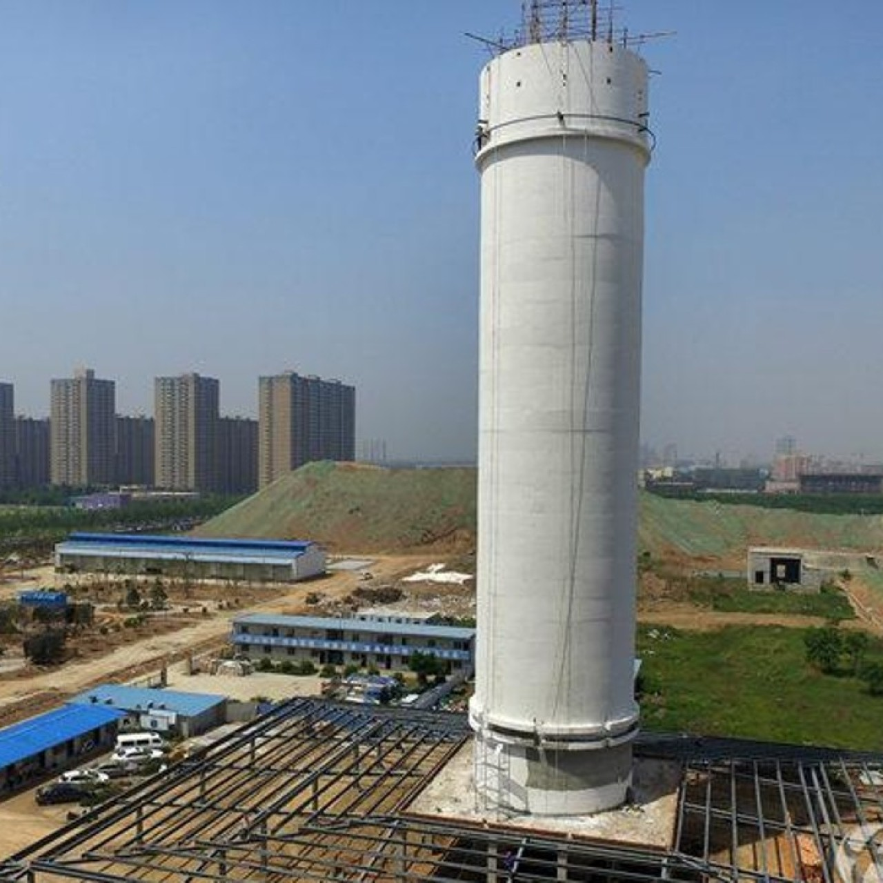 China builds 'world's biggest air purifier' (and it seems to