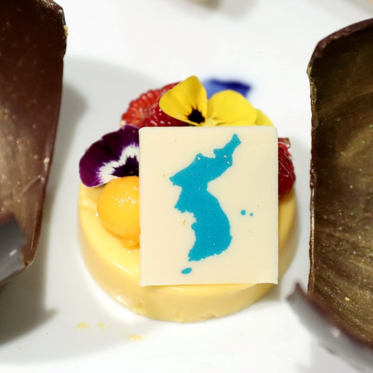 Japan demands Koreas pull dessert from summit menu because