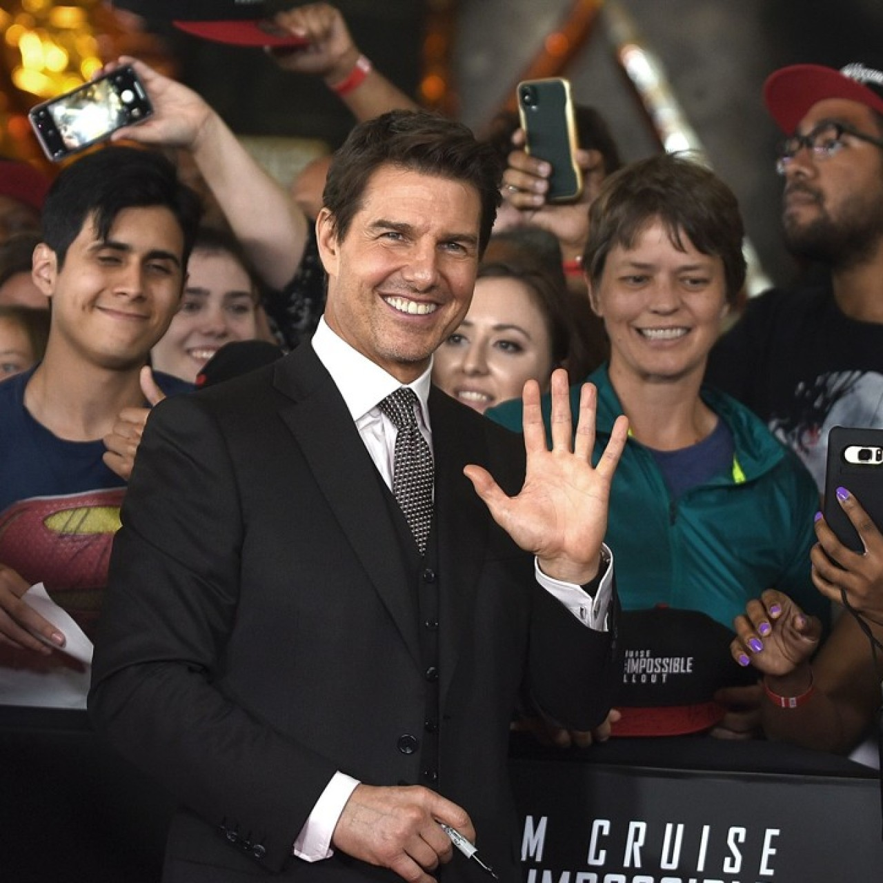 Mission Impossible 6 premiere red carpet gossip: Tom Cruise's ankle