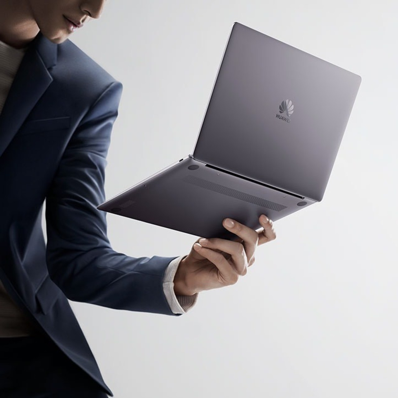 cfe04ee3db7e Huawei launches new MateBook 13 laptop for US market as it struggles ...